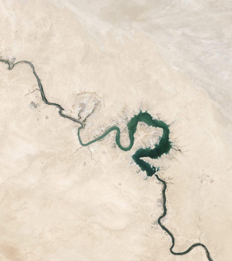 cracks-1840248